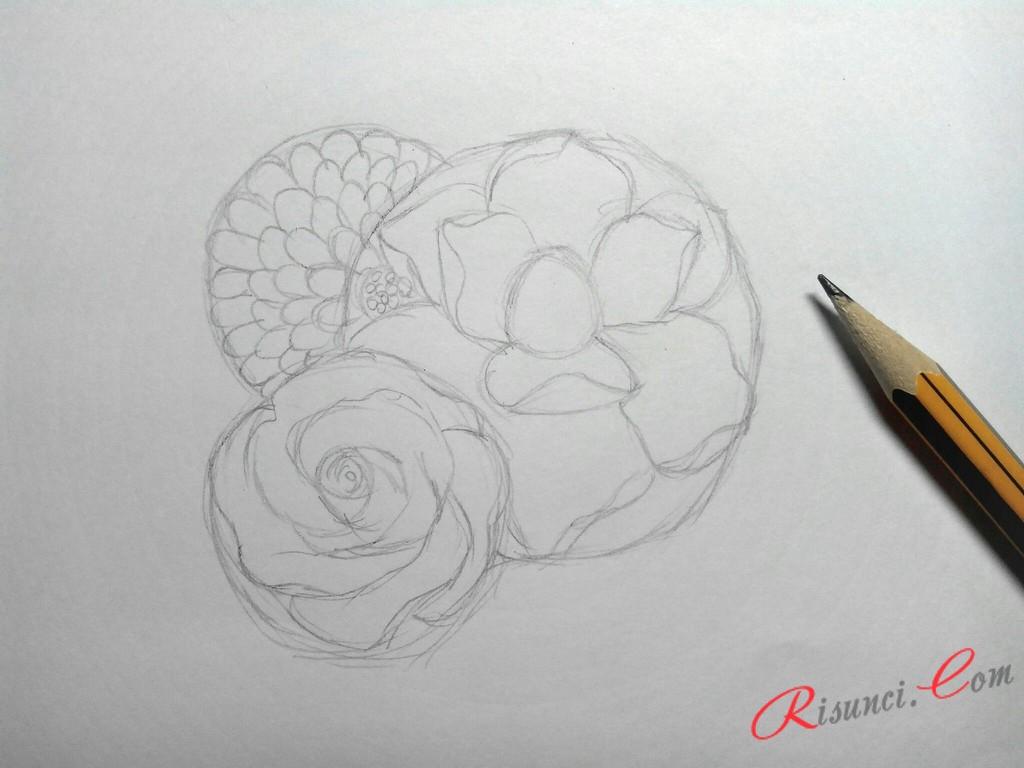 прорисуем мелкие лепестки цветка