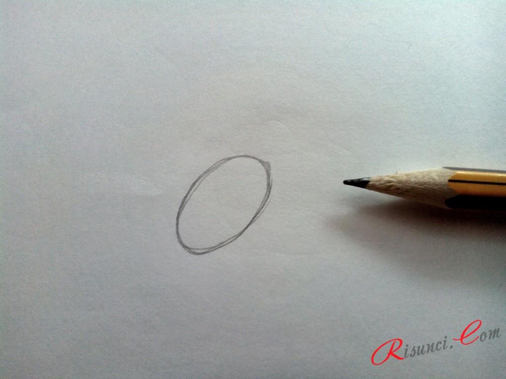 нарисуем небольшой овал