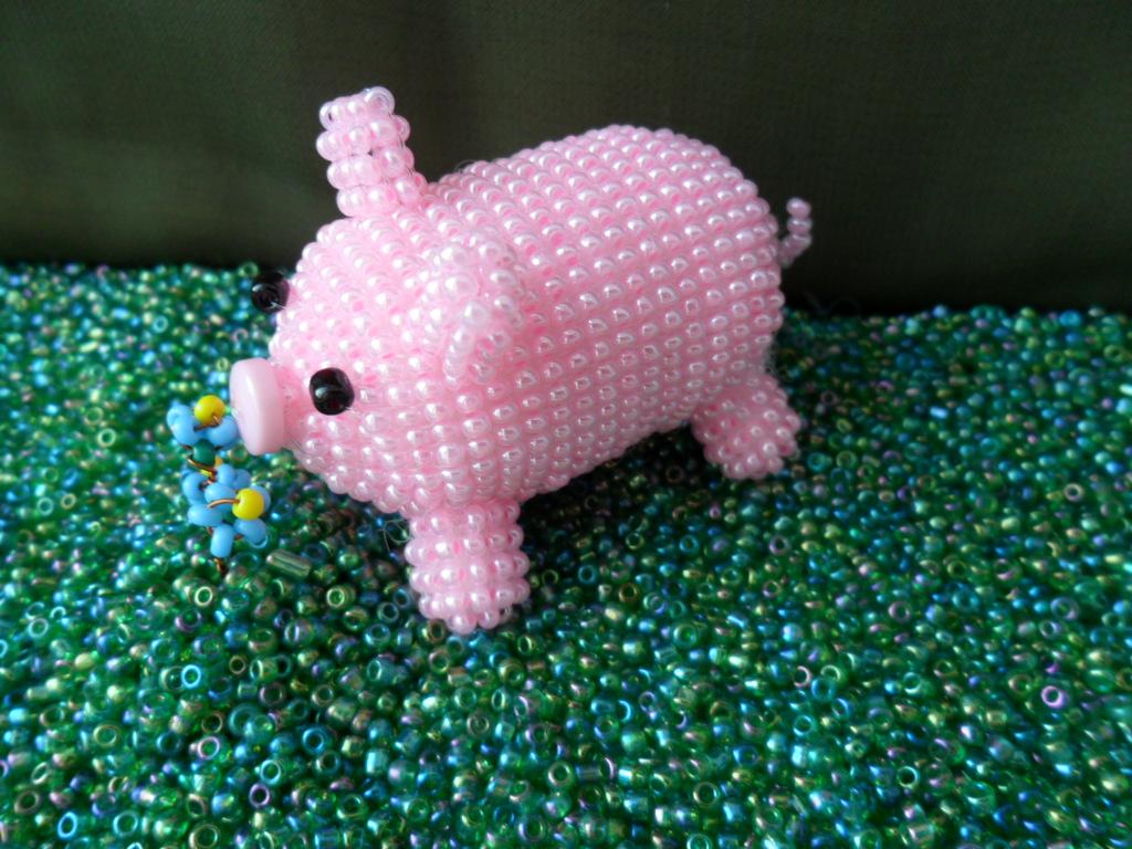 свинья из бисера, простые схемы фото 1