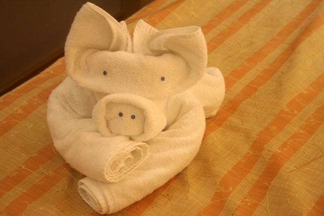 свинья из полотенца выполненная своими руками фото 3